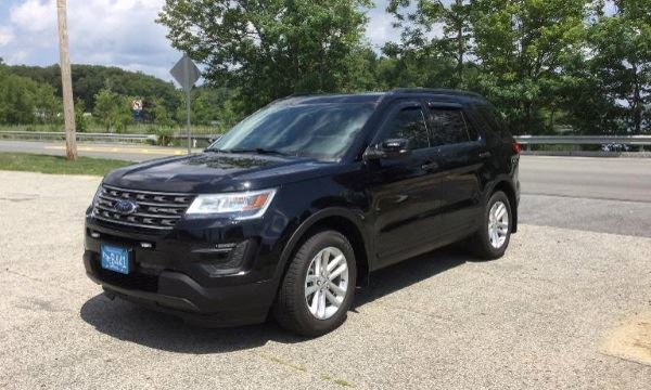 Car1 2017 Ford Explorer
